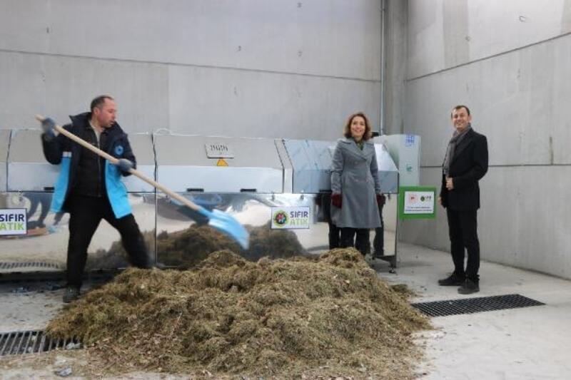 Üniversitede, atıklarla organik gübre üretimine başlandı