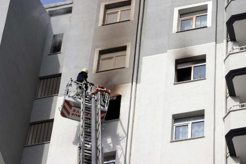 2 kardeşin çakmakla oyunu, evde yangın çıkardı