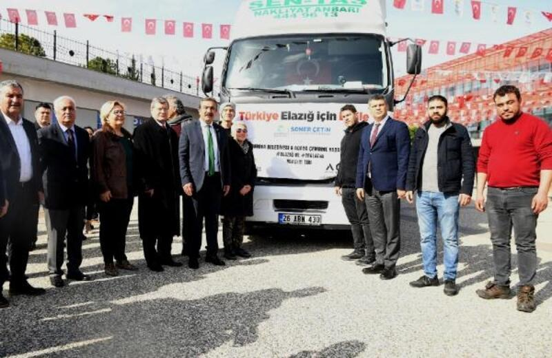 Yardım TIR'ını Başkan Soner Çetin uğurladı