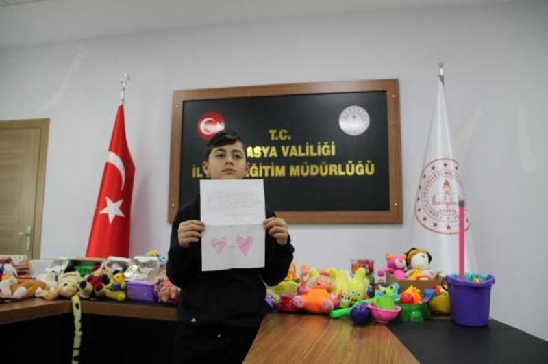 Depremzede çocuklara 'bir oyuncak bir mektup' kampanyası
