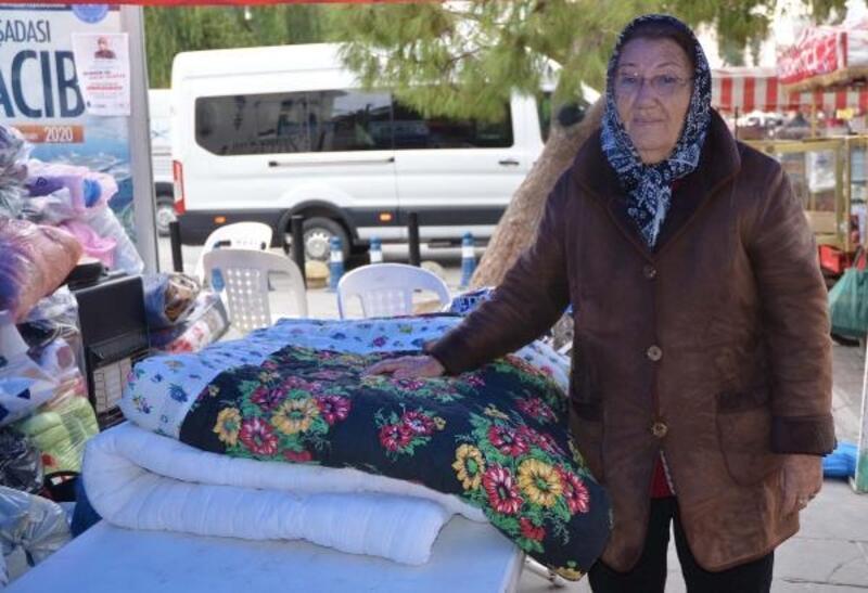 Yarım asırlık anne yadigarı yorganını bağışladı