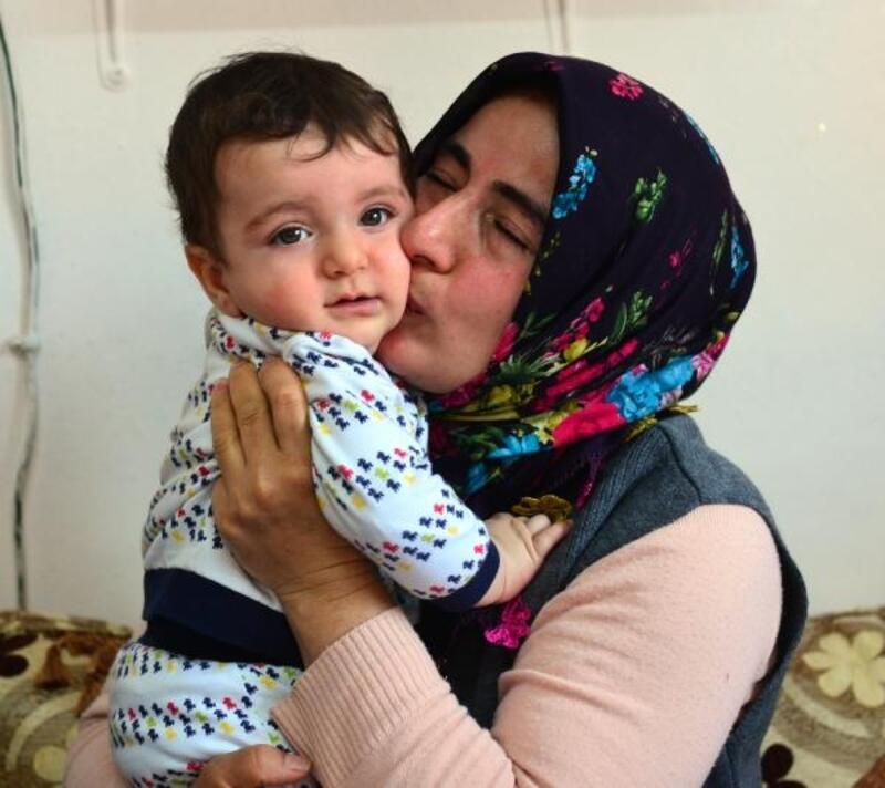 NCL hastası Umut bebek, yaşamak için ilaç bekliyor