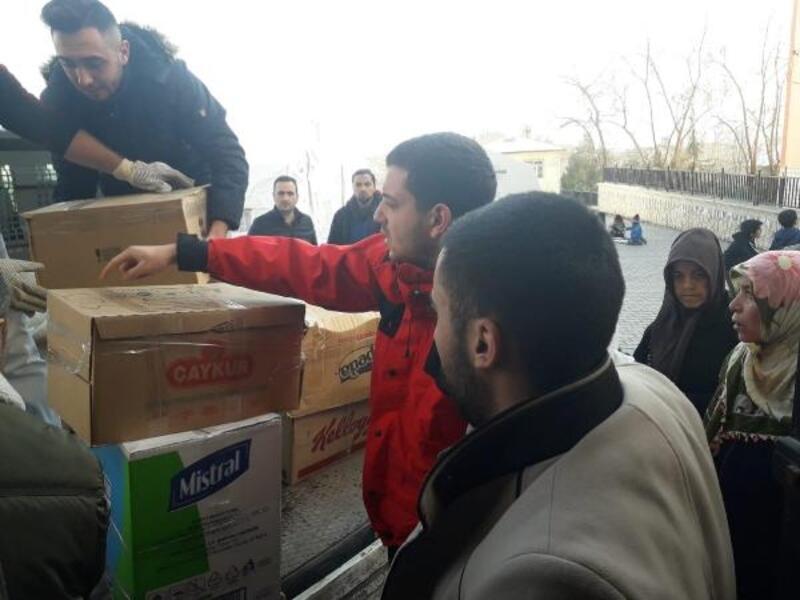 İmranlı Ülkü Ocakları'ndan depremzedelere yardım