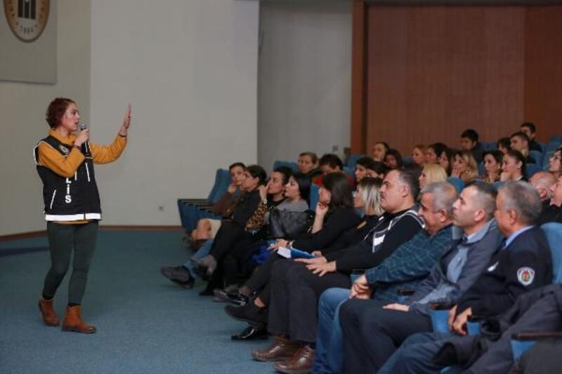 Belediye personeline 'Uyuşturucu ile Mücadele' eğitimi