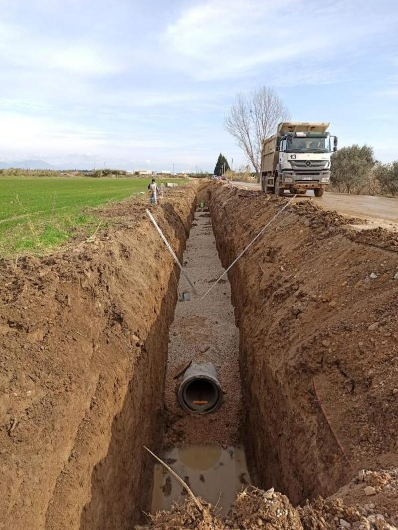 ASAT'ın Aksu'da kanalizasyon çalışması sürüyor