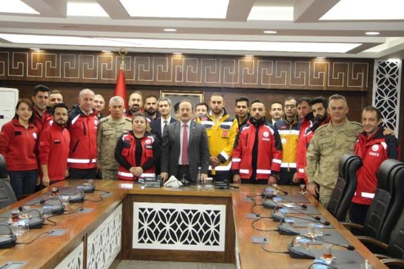 Elazığ depreminde görev yapan sağlıkçılarına teşekkür belgesi