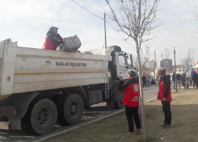 Bağlar Belediyesi'nden deprem mağdurlarına destek