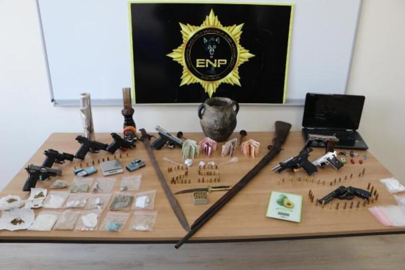 Erzurum'da uyuşturucu satıcılarına operasyon