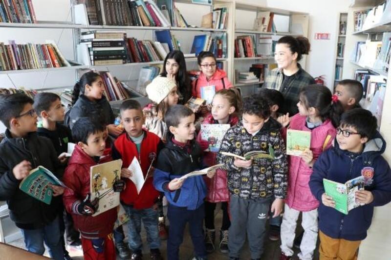 TEGV öğrencileri Büyükşehir kütüphanesi ile tanıştı