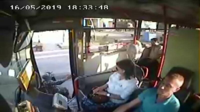 Yolcunun düşmesine neden olan halk otobüsü şoförünün 1 yıl 6 ay hapsi istendiistemi