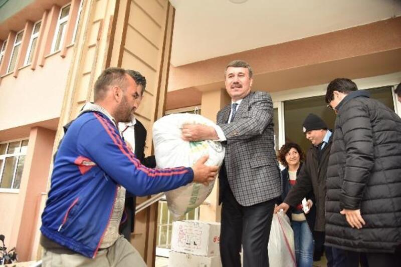 Anamur'dan depremzedelere yardım TIR'ı