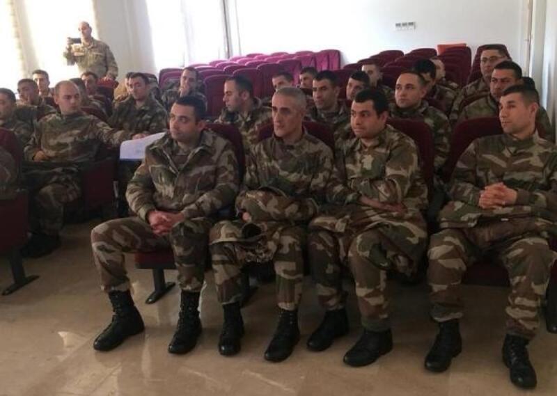 Bedelli askerlere 'kadına yönelik şiddet' semineri