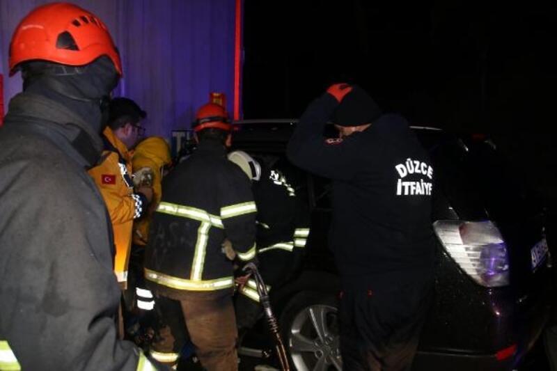 Otomobiller TIR'lara çarptı: 5 yaralı