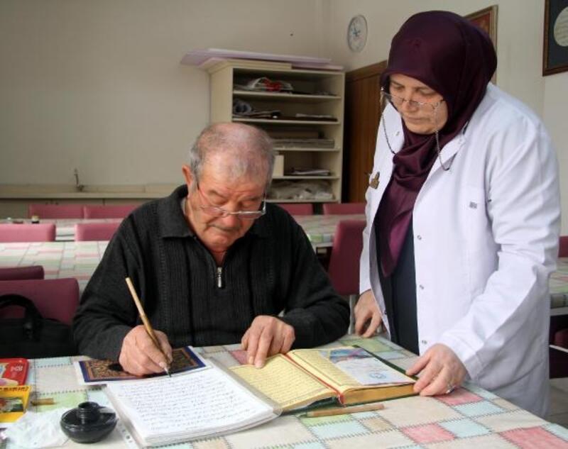 Emekli torna ustası, 5 yılda 21 kurstan sertifika aldı
