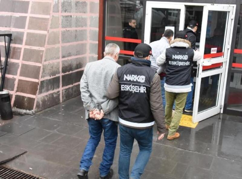 Eskişehir'de uyuşturucu operasyonu: 8 gözaltı