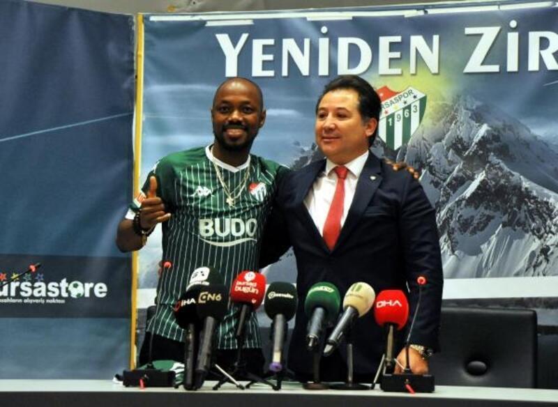Bursaspor'da Traore imzaladı