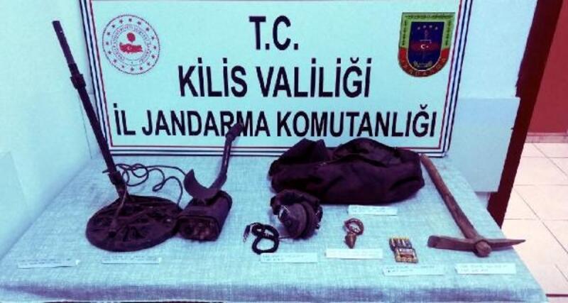 Kilis'te,kaçak kazıya 2 gözaltı