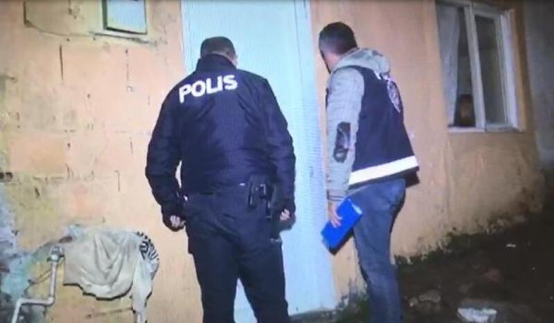 Haklarında arama kararı bulunanlara şafak operasyonu: 34 gözaltı