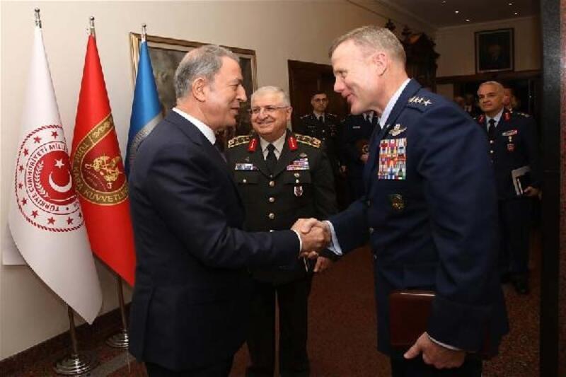 Bakan Akar, NATO Avrupa Müttefik Kuvvetler Komutanını kabul etti
