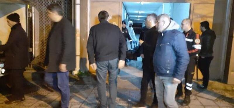 Başakşehir'de bir kişi boğazından bıçaklanarak öldürüldü