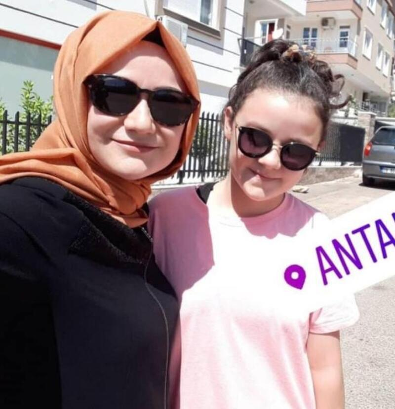 Antalya'da dehşet; Eski eşi ve kızını öldürüp, intihar etti- Yeniden