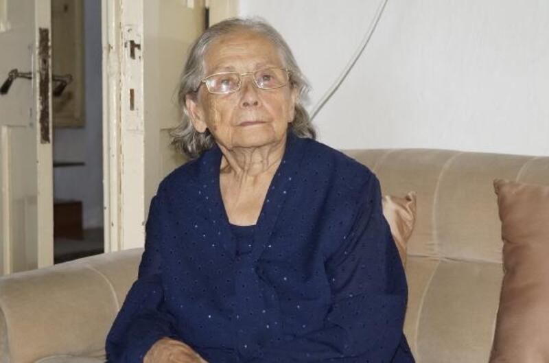 Finike'nin ilk belediye başkanının eşi Güllü Şerbetçi hayatını kaybetti