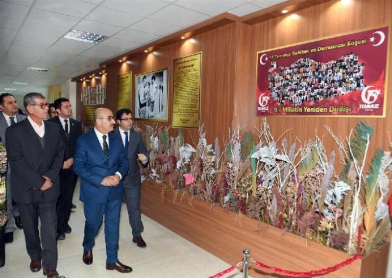 Vali Demirtaş, Şehit Kadir Kırbaç anısına düzenlenen köşenin açılışını yaptı