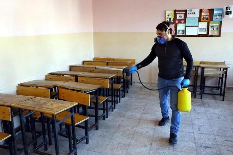 Kırklareli'de okul ve camiler dezenfekte edildi