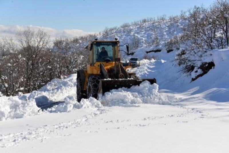 Bingöl'de 197 köy yolu kardan kapandı