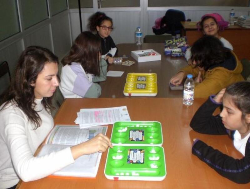 Kütüphanede zeka oyunları eğitimi