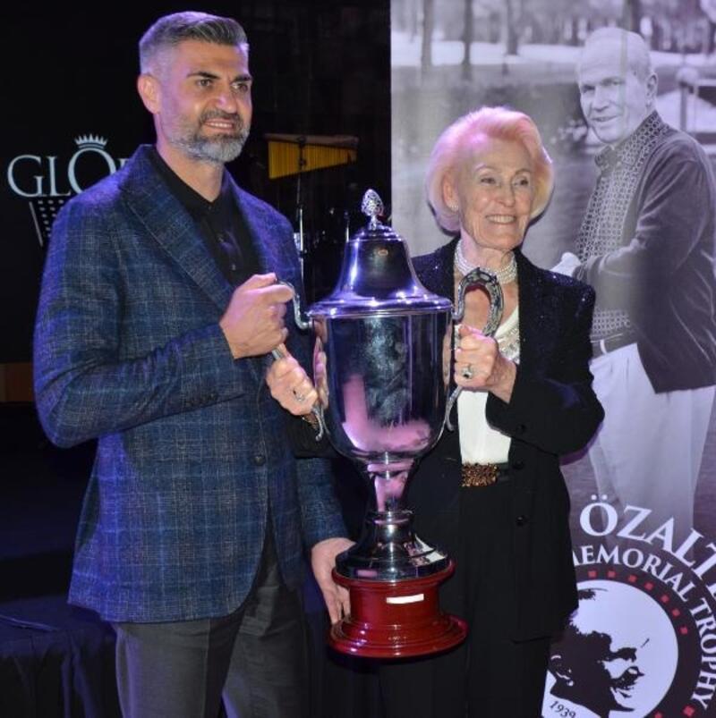 Nuri Özaltın Golf Turnuvası'nın şampiyonu Ramazan Üçdan oldu