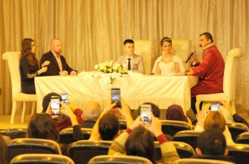 Eskişehir'de 15 çift, '02.02.2020'de dünya evine girdi