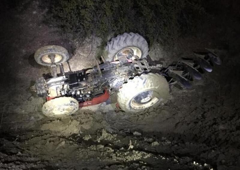 Traktör dereye uçtu, sürücü öldü
