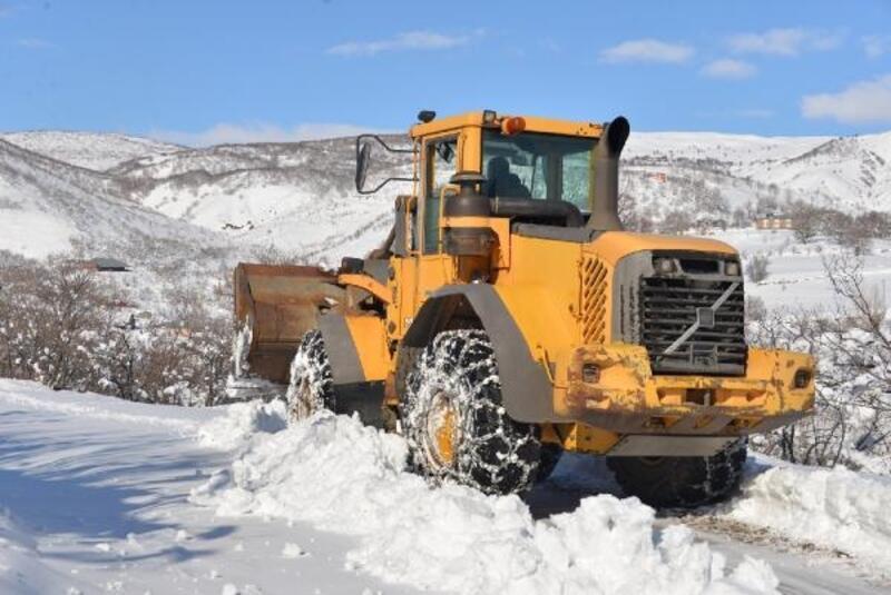 Bingöl'de kardan kapanan 179 köy yolu, ulaşıma açıldı