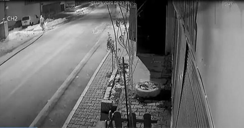 Polis, karda iz sürerek kablo hırsızlarını yakaladı