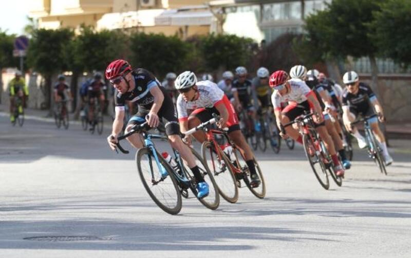 Alanya'da bisiklet yarışları tamamlandı