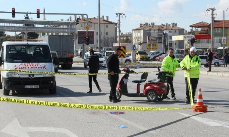 Yolcu otobüsüyle çarpışan elektrikli bisikletin sürücüsü öldü