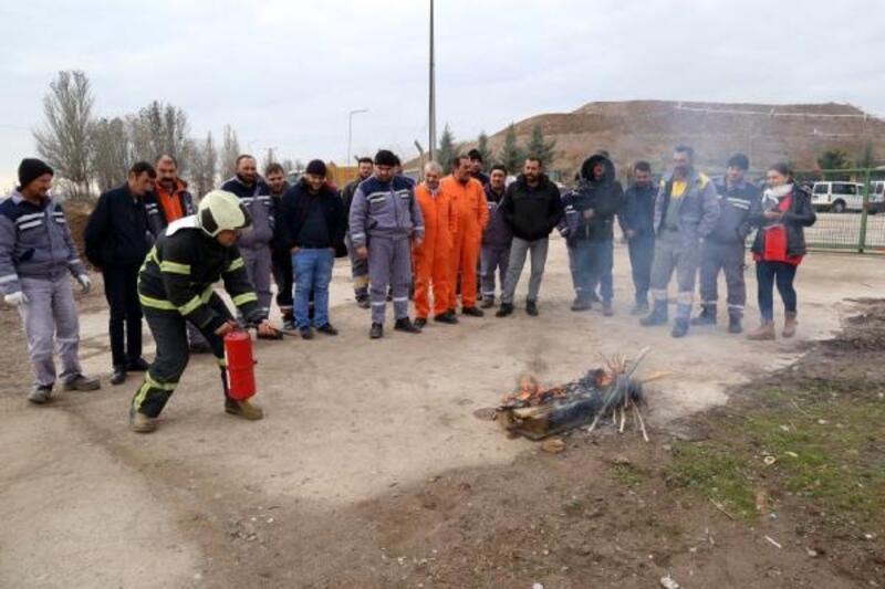 Aksaray katı atık depolama tesisinde yangın eğitimi