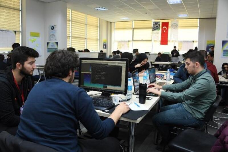 Konya'daki dijital oyun geliştiricileri 'Global Game Jam'de buluştu