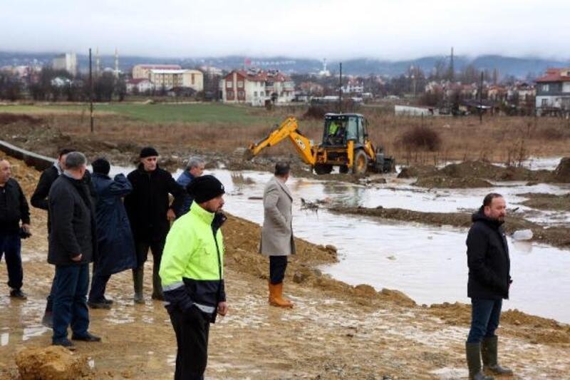 Bolu'da dere taştı, 14 evi su bastı