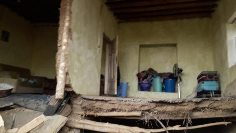 Kırşehir'de kerpiç evin duvarı çöktü: 1 yaralı