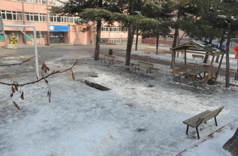 Afyonkarahisar'daki çocuklardaki yanığa neden olan madde 'alkali' çıktı