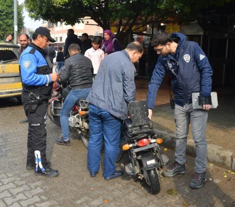 Adana'da polisten motosiklet denetimi