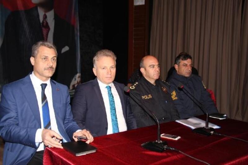 Bucak'ta okul güvenliği toplantısı