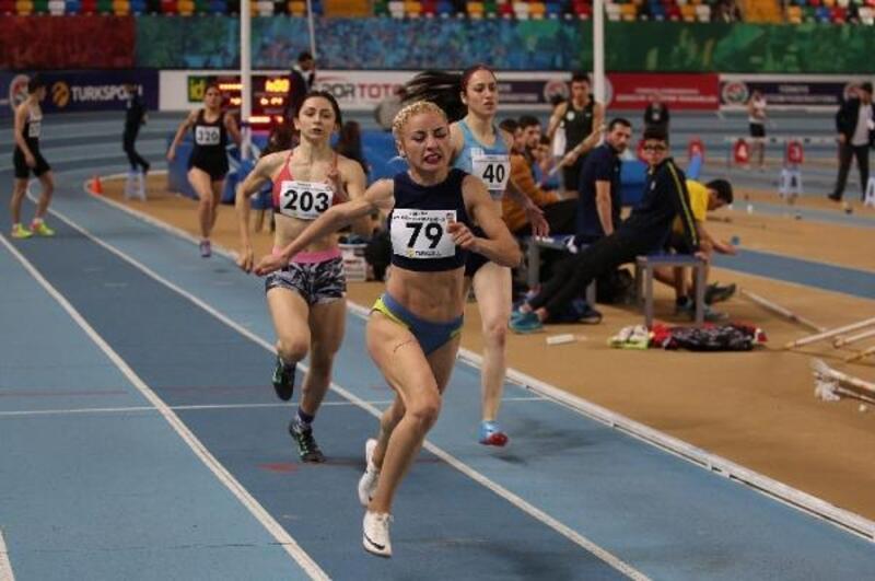 Gaziemir'in atletlerinden çifte şampiyonluk