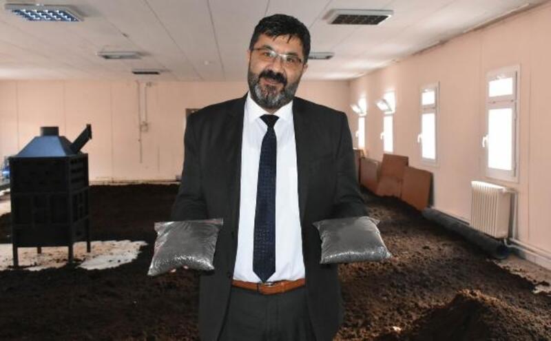 Üniversitede, arıtma çamurundan solucan gübresi üretildi