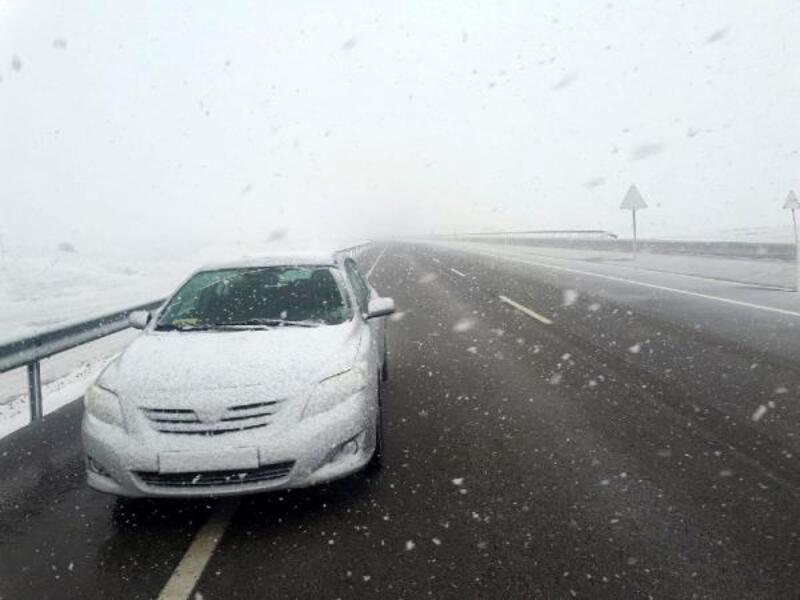 Elmalı'da kar yağışı