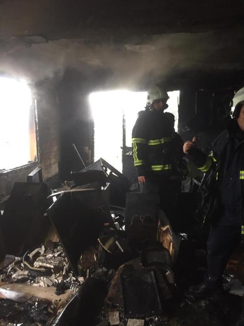 Evde çıkan yangında 4 yaşındaki Hira öldü, ağabeyi yaralandı