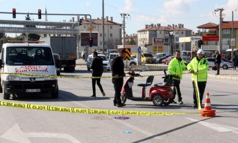Yolcu otobüsü ile elektrikli bisikletin çarpıştığı ölümlü kaza kamerada