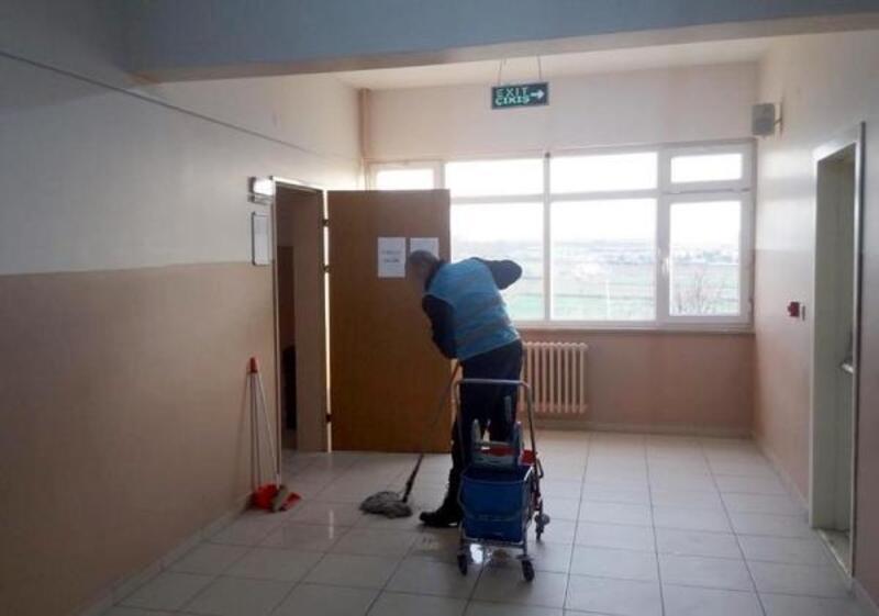 Tekirdağ'da okulların temizliğini denetimli yükümlüler yaptı